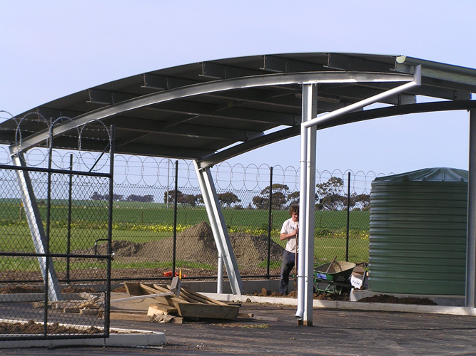 curved-roof-pergola-1′ - Curved-roof-pergola-1' - Mount Barker Steel